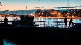 在河的拖曳船 股票录像