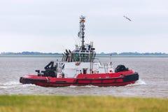 在河的搬运工船 免版税库存照片