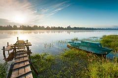 在河的日出。 免版税库存图片