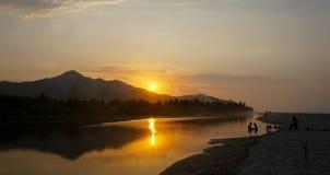 在河的日落巴洛米诺马海滩的,哥伦比亚 免版税库存图片