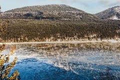 在河的早晨蒸汽 叶尼塞是最巨大的河系流动到北冰洋的和第五条长的河 免版税库存图片
