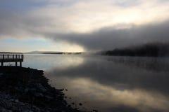 在河的早晨雾 免版税图库摄影