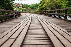 在河的星期一桥梁木桥在Sangkhlaburi区,北碧 免版税库存图片
