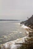 在河的春天 库存照片