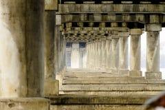 在河的桥梁在城市 图库摄影