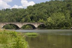 在河的桥梁 免版税图库摄影