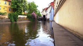 在河的老城市磨房在布拉格 影视素材