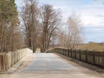在河的老桥梁 图库摄影