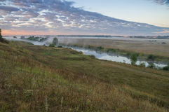 在河的雾 库存照片