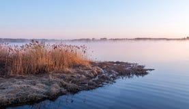 在河的黎明在苏兹达尔附近 免版税库存图片