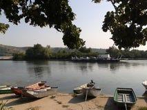 在河的Scaffboat 免版税库存照片