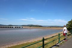 在河肯特, Cumbria的Arnside高架桥 免版税库存照片