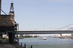 在河莱茵河的运输 库存图片