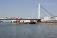 在河莱茵河的运输 库存照片