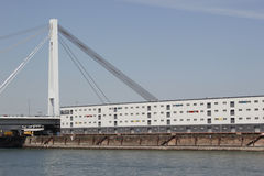 在河莱茵河的运输 图库摄影