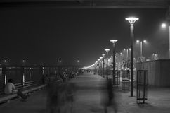 在河边区走道,艾哈迈达巴德,印度的夜视图 免版税库存图片
