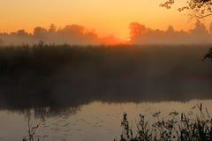 在河,俄罗斯的黎明 库存照片