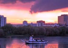 在河2008年5月的渥太华日落 图库摄影