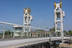 在河ijssel的桥梁在城市kampen 荷兰荷兰 库存照片