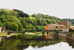 在河Jizera的水闸 库存图片