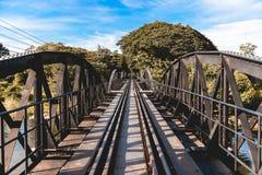 在河Kwai,北碧省,泰国的桥梁 免版税库存照片