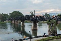 在河Kwai,在臭名远扬的泰国缅甸死亡铁路的一个著名地标的桥梁 免版税库存图片