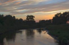 在河Ner的日落 免版税库存图片