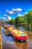 在河Ouse的约克英国五颜六色的驳船hdr的 库存照片