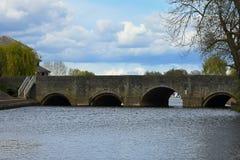 在河Severn, Tewkesbury,格洛斯特郡,英国的桥梁 库存照片