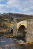 在河wharfe的桥梁 免版税库存照片