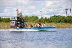 在沼泽地的汽船 库存照片