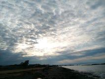在沿海岸区的秀丽晚上 库存图片