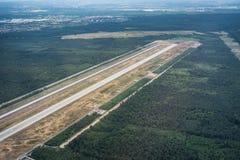 在法兰克福国际机场,德国西部的跑道 库存图片