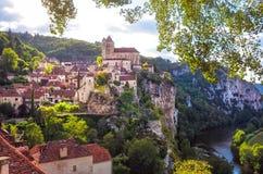 在法国使中世纪村庄圣徒Cirque La环境美化Popie看法  免版税库存照片