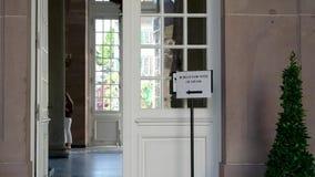 在法国投票站欧盟竞选里面的很少人 股票录像