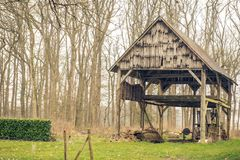 在法国流洒的一个老农场 库存图片