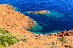在法国海滨的美好的风景海岸线在戛纳附近 免版税库存照片