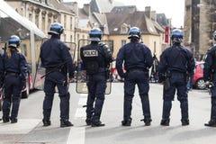 在法国的街道的警察 免版税库存图片