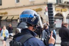 在法国的街道的警察 库存图片