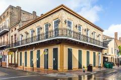 在法国街区的历史建筑 免版税图库摄影