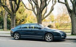 在法国stree的雪铁龙C6豪华大型高级轿车 图库摄影