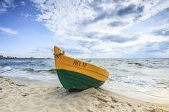 在波儿地克的岸的木小船 免版税库存图片