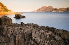 在波尔图和Scandola自然保护海湾的日出在可西嘉岛,法国 免版税库存图片