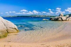 在波尔图拉斐尔,帕劳,撒丁岛,意大利附近的逗人喜爱的沙滩 库存图片