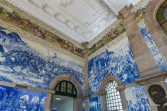 在波尔图火车站-葡萄牙的陶瓷Azulejos 库存图片