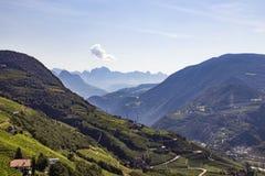在波尔查诺,南蒂罗尔,意大利附近的风景 免版税库存照片