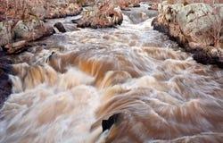 在波托马克河的危险急流 免版税库存照片