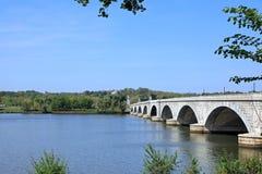 在波托马克河的桥梁 免版税库存图片