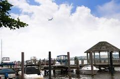 在波托马克河的银行的小船在亚历山大在弗吉尼亚美国 库存图片