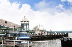 在波托马克河的银行的明轮船在亚历山大在弗吉尼亚美国 免版税库存照片